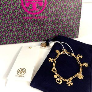 Tory Burch Bracelet Logo Charm Bracelet in Gold